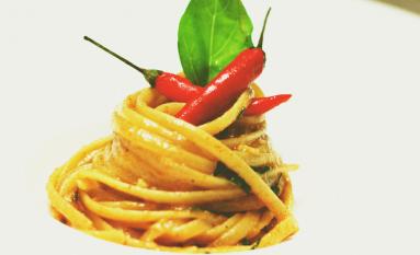 Linguine, aglio, olio e peperoncino