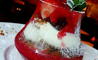 Tiramisu aux fruits rouges